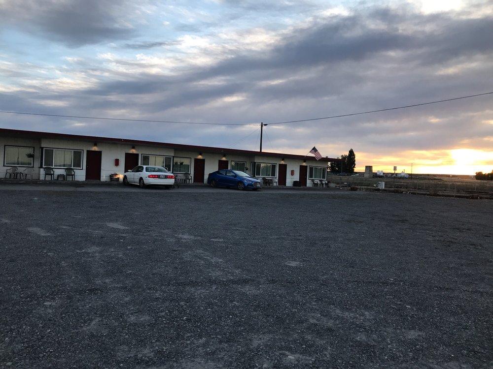 Ala Cozy Motel: 9988 Hwy 2 E, Coulee City, WA