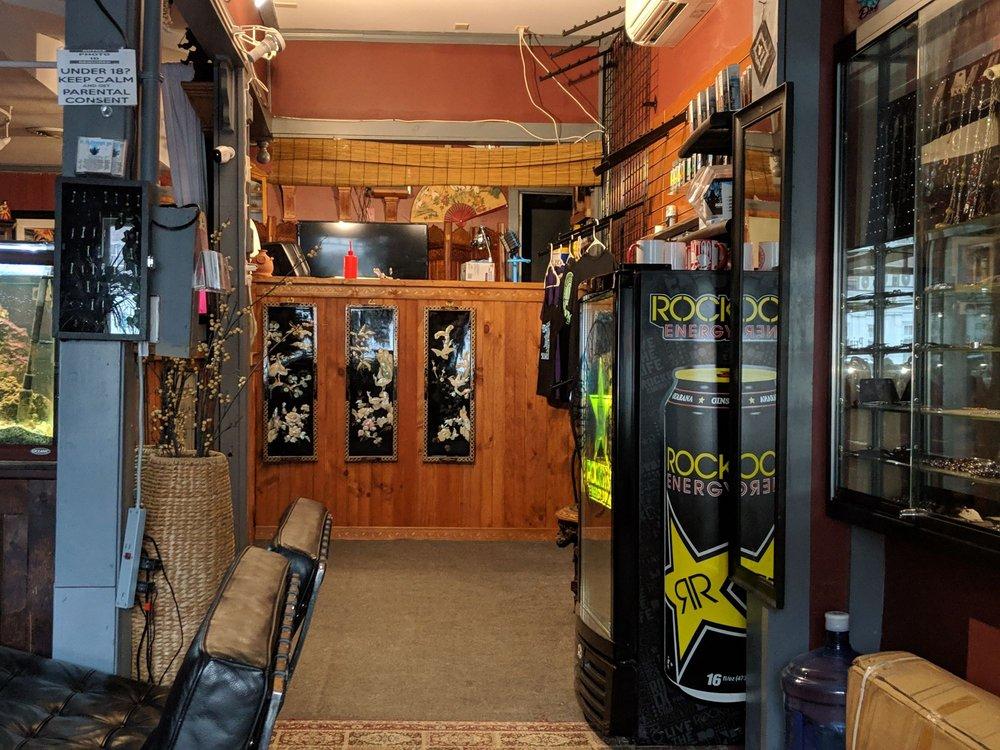 Mountainside Tattoo & Piercing: 49 Square, Bellows Falls, VT
