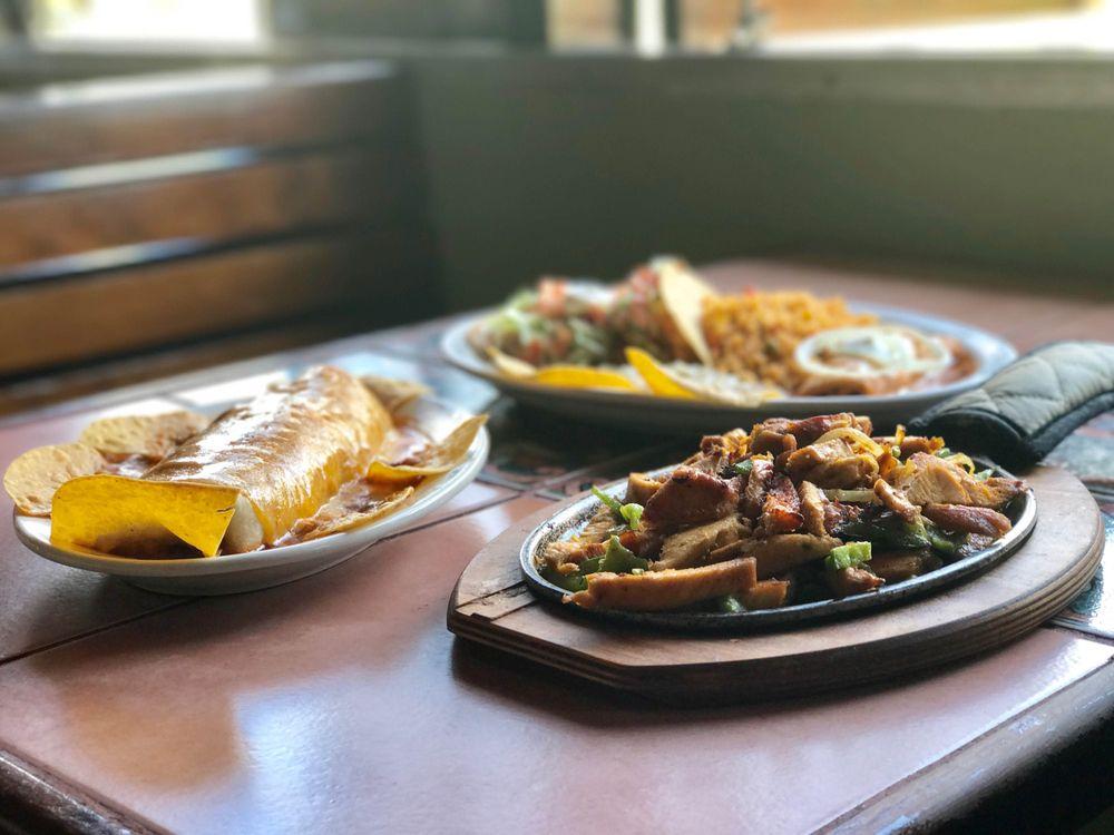 Lolita's Mexican Restaurant: Carr. 3 Km 41.3, Luquillo, PR