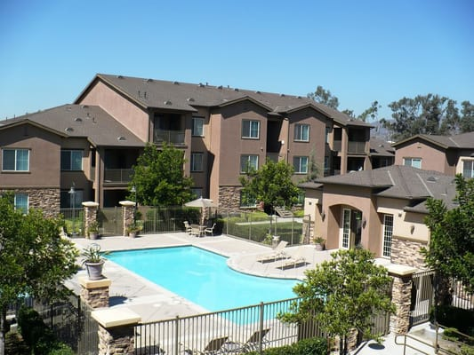 Broadstone foothills closed flats 524 n central ave for Landscape rock upland ca