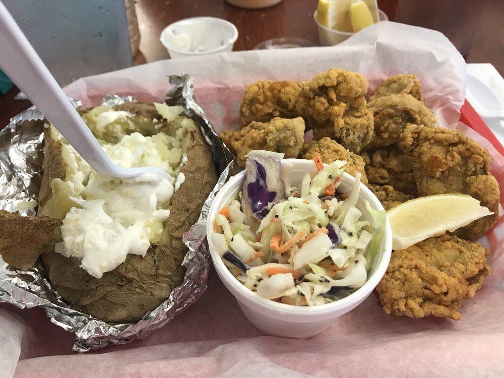 Bayou Produce & Seafood Market: 13450 Wintzell Ave, Bayou La Batre, AL