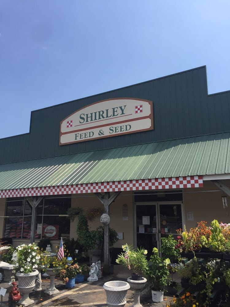 Shirley Feed & Seed: 2439 N Elm St, Commerce, GA