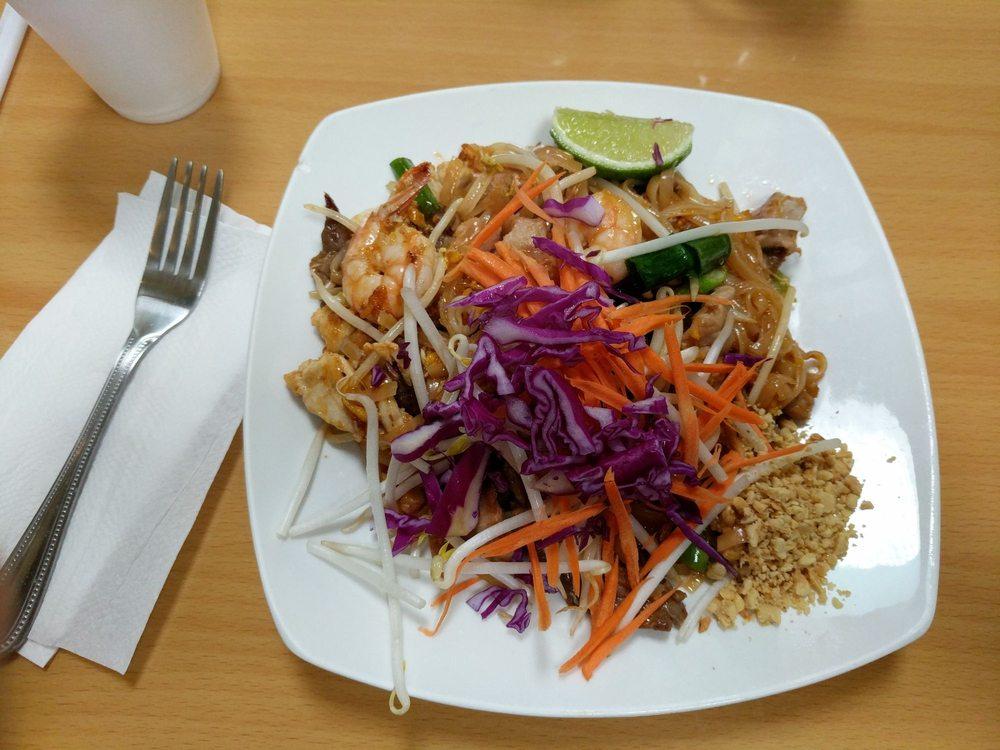 Combination pad thai yelp for Ar roi thai cuisine