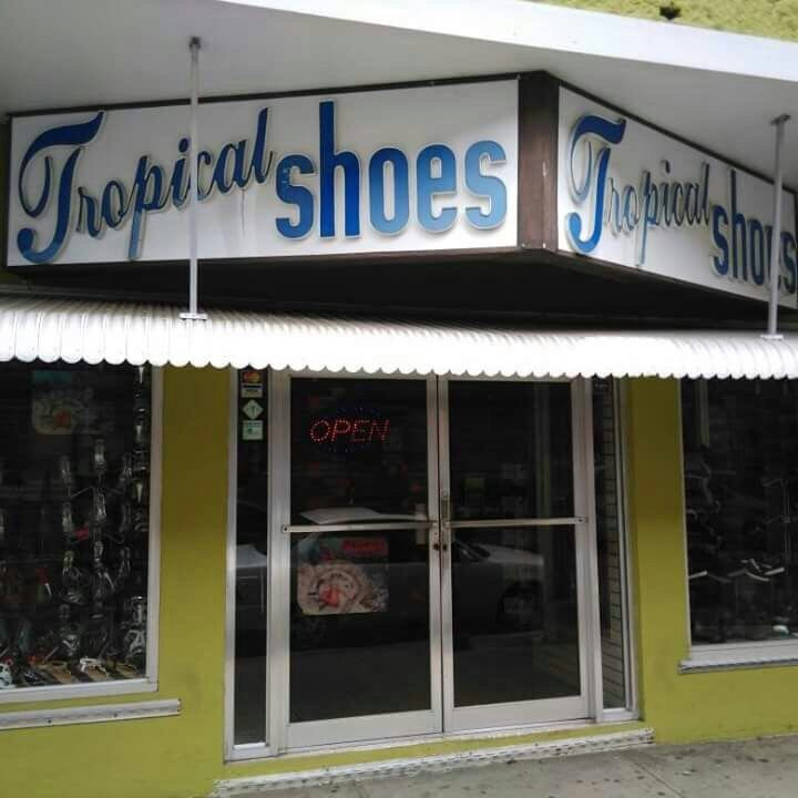 Tropical Shoes: Calle Colón 200, Aguada, PR