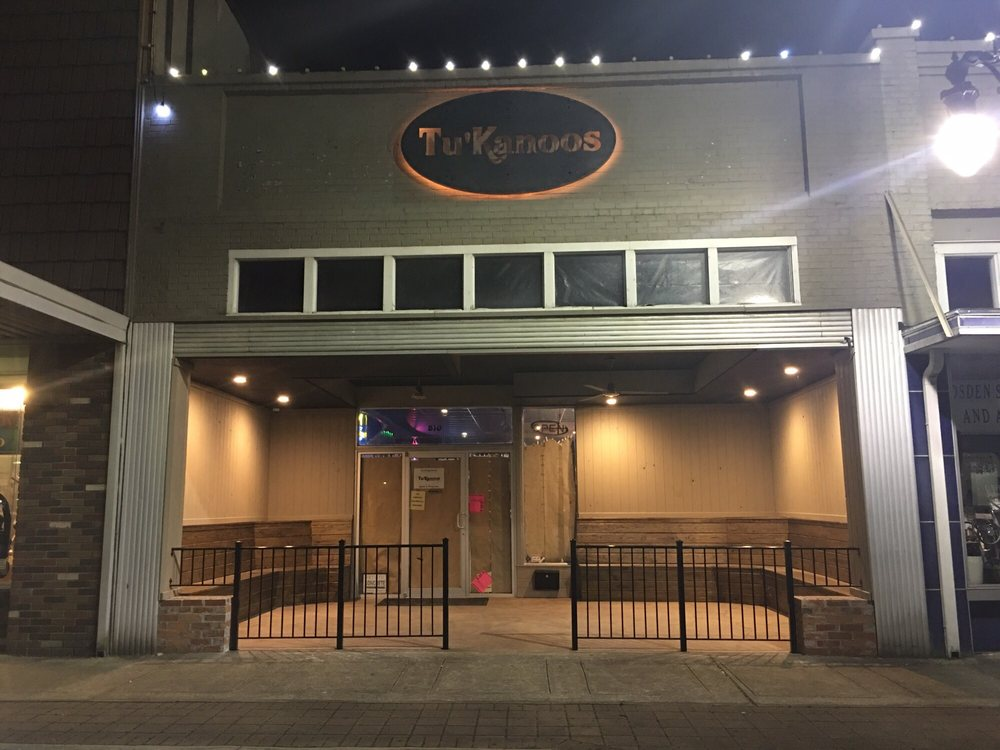 Tu'Kanoos: 510 Broad St, Gadsden, AL
