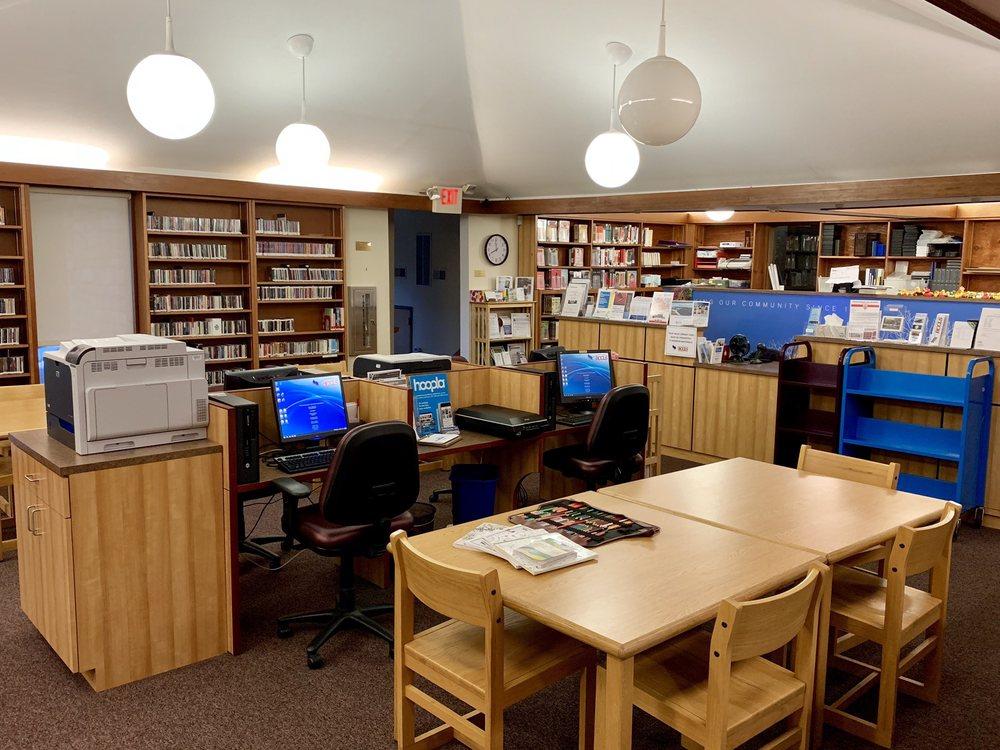 Demarest Free Public Library: 90 Hardenburgh Ave, Demarest, NJ