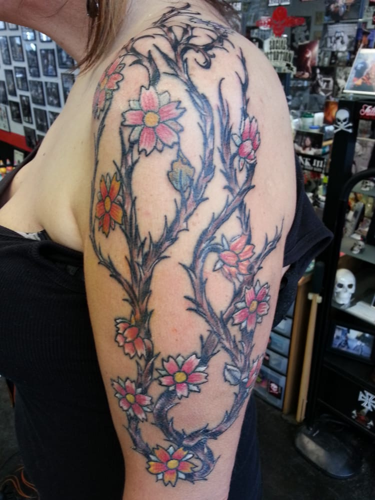 Flowers Vine Thorns Tattoo Arm Tattooyouriverbank Tattoo By Ray