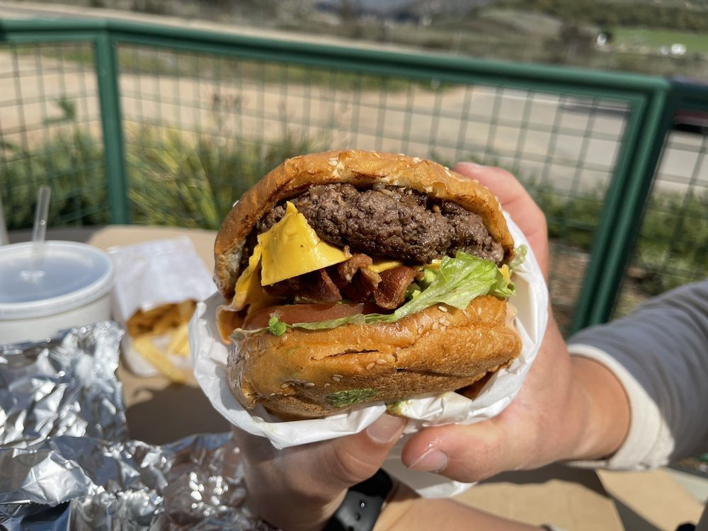 Nessy Burgers