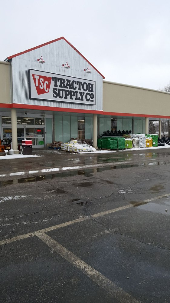 Tractor Supply: 1500 Canton Rd, Akron, OH