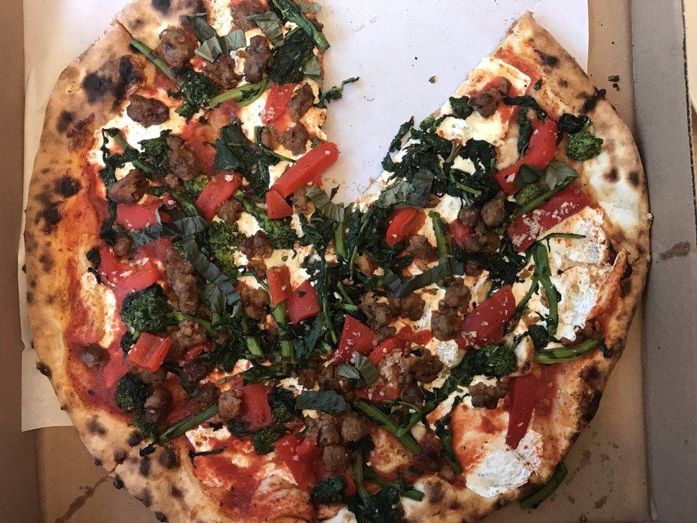 Del Ponte's Coal Fired Pizza: 600 Main St, Bradley Beach, NJ