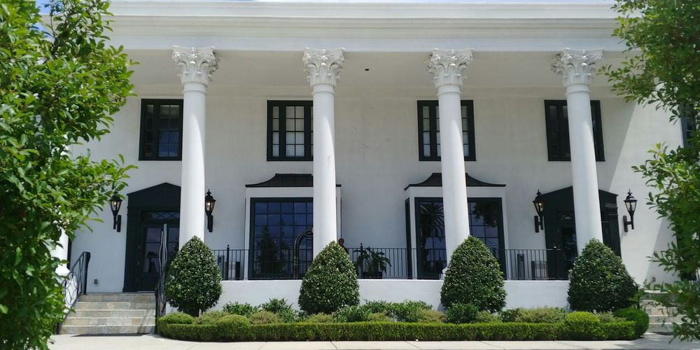 White House Hotel, an Ascend Hotel Collection Member: 1230 Beach Blvd, Biloxi, MS