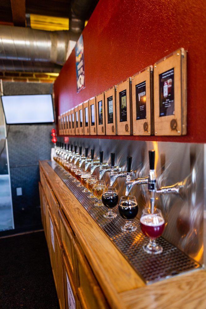 Quarters Bar+Arcade: 475 Main St, Longmont, CO