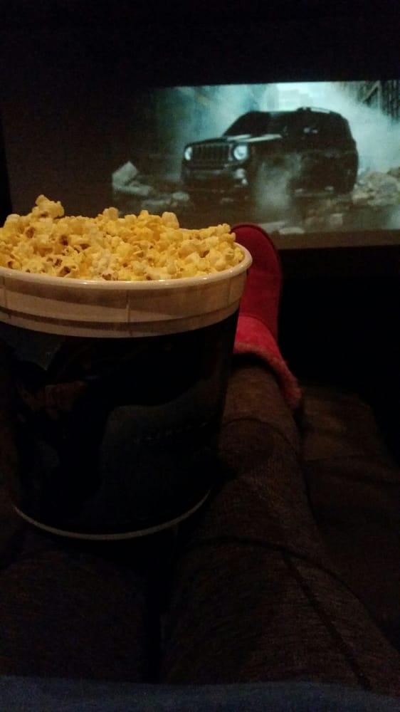 Paragon odyssey 15 imax 32 photos 53 reviews cinemas for Burnsville theater