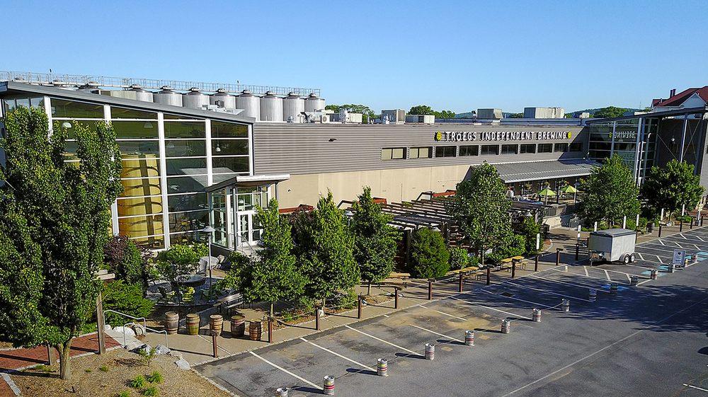 Tröegs Brewing Company: 200 E Hersheypark Dr, Hershey, PA