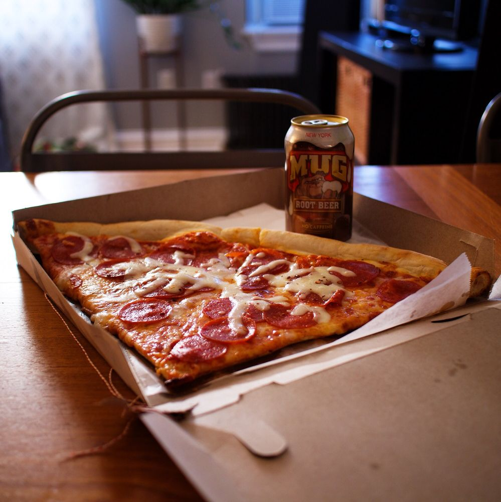 Fort Lee Pizza Restaurant Gift Cards - New Jersey | Giftly