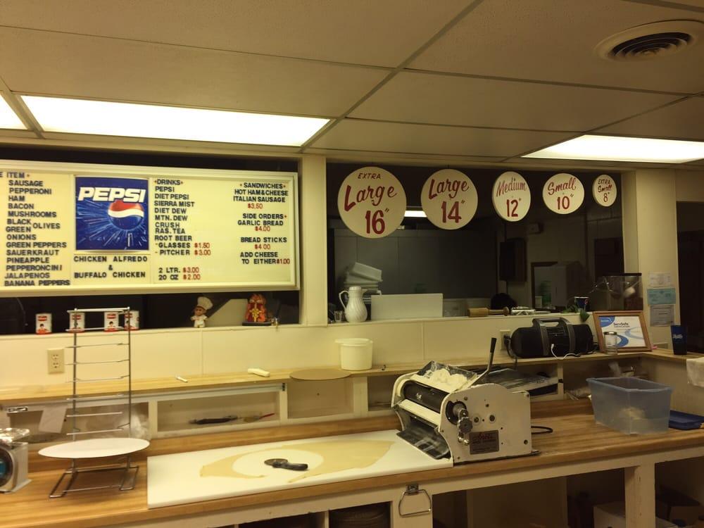Pizza Oven: 221 E Breitung Ave, Kingsford, MI