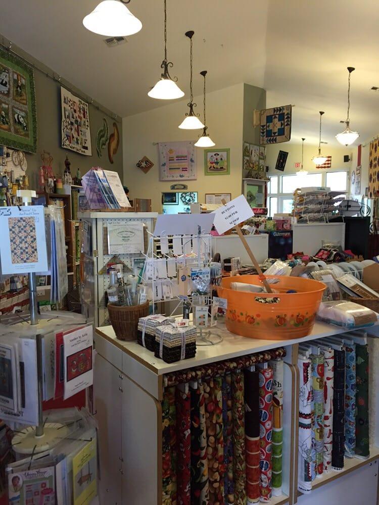 Connie's Quilters Hide-A-Way: 310 E Beale St, Kingman, AZ