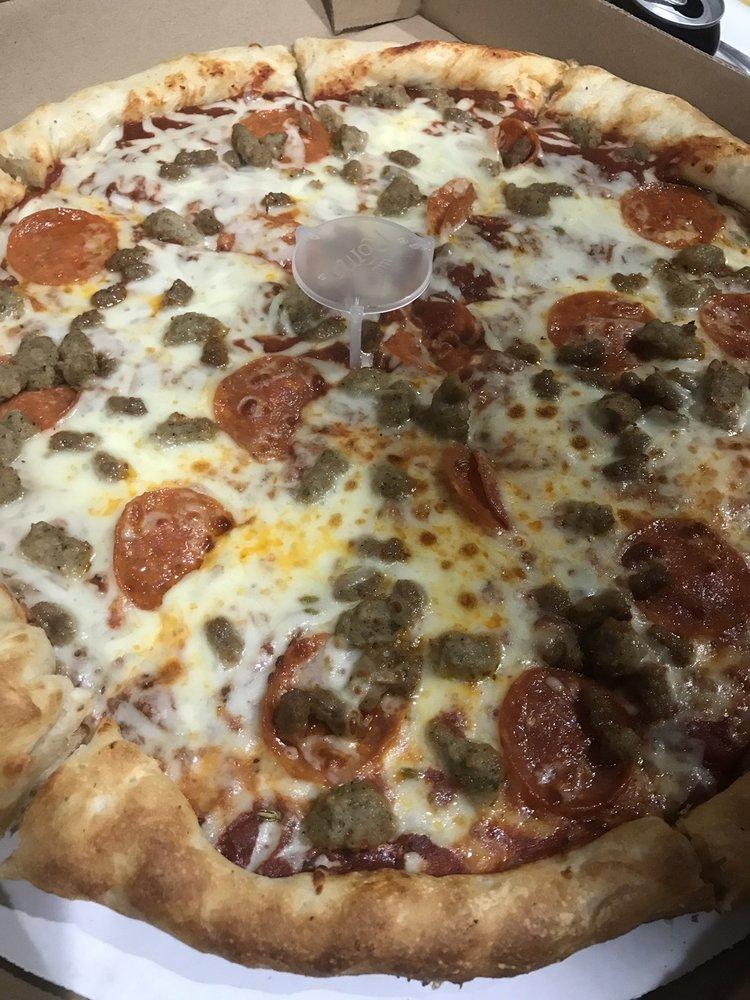 Fat Cat Pizza: 204 S Hwy 125, Strafford, MO