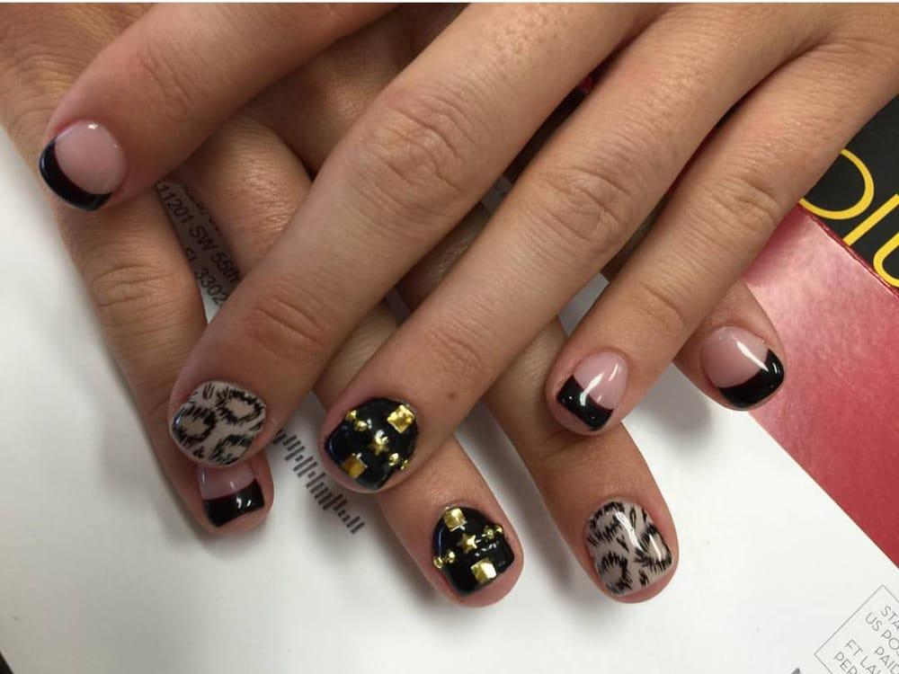My friend\'s nails: natural nails with gel polish and nail art by Ana ...