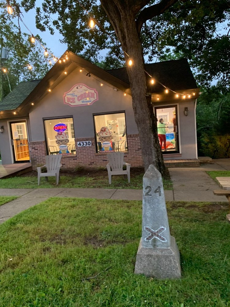 Harpers Ferry Ice Cream Shoppe: 4330 William Wilson Fwy, Harpers Ferry, WV