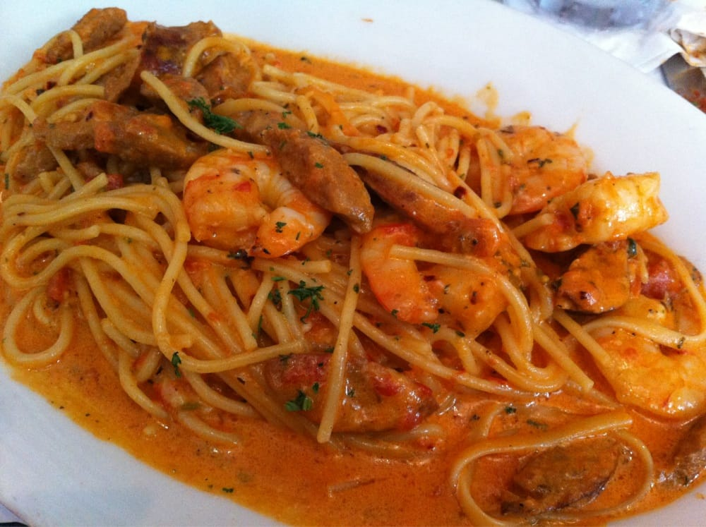 Spaghetti with shrimp and sausage in pink sauce yelp for Mama s italian kitchen