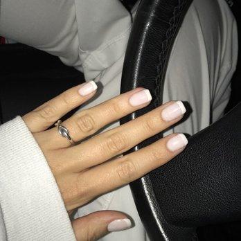 Gliss Gloss Nails Spa