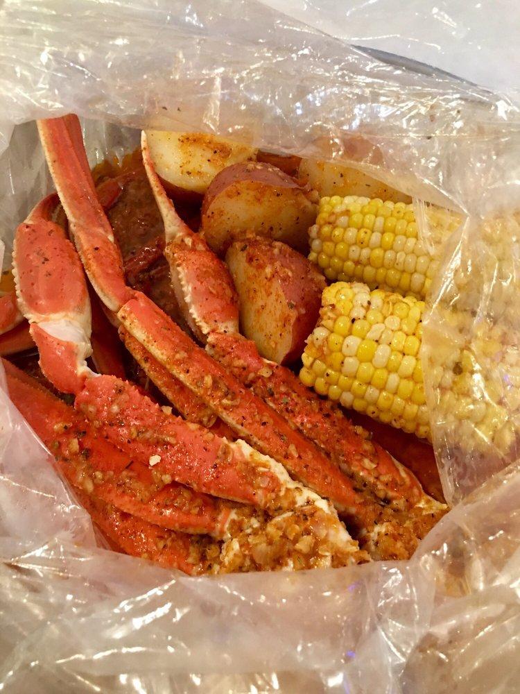 The Yummy Crab: 9962 E Washington St, Indianapolis, IN