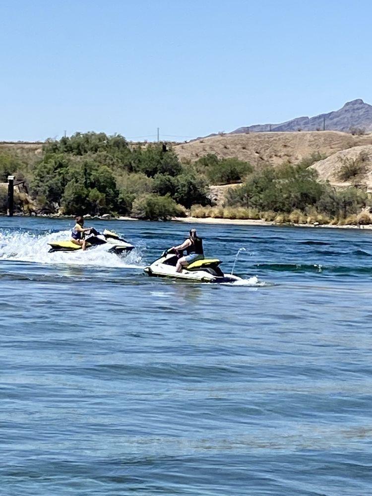 Dave's Wet n Wild Jet Ski Rentals: 1168 Hwy 95, Bullhead City, AZ