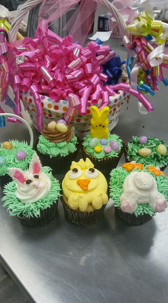 Smallcakes: 905 Eastland Dr, Jefferson City, MO