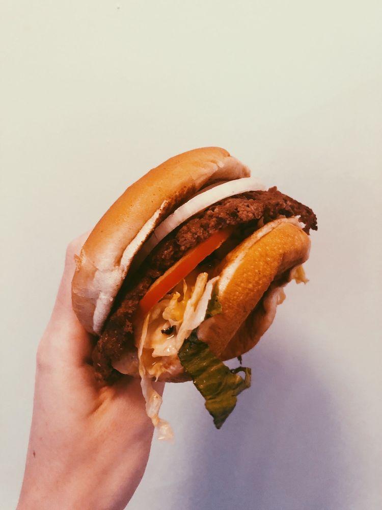 Freddy's Frozen Custard & Steakburgers: 2740 E 146th St, Carmel, IN