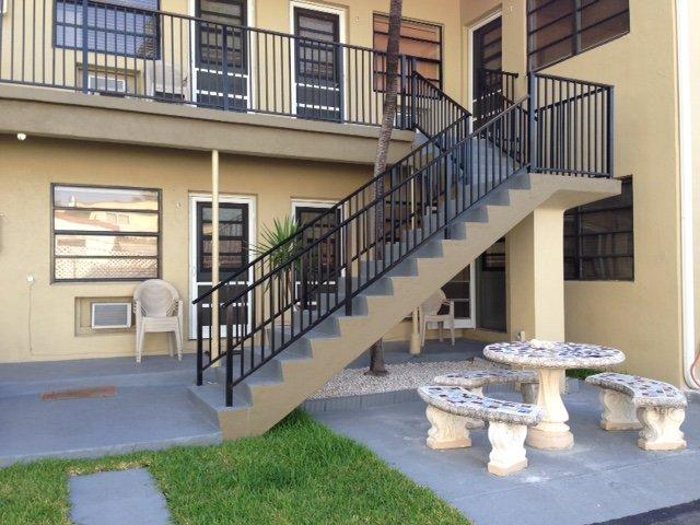 Tropic Isles Motel Apartments