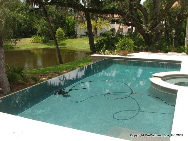 Propool and spa nettoyage piscine 4208 coral park dr for O piscine otterburn park