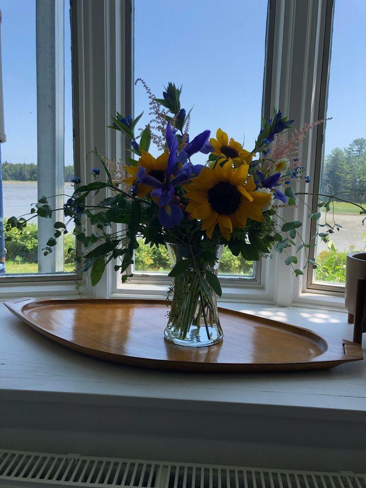 Fairwinds Florist of Blue Hill: 5 Main St, Blue Hill, ME