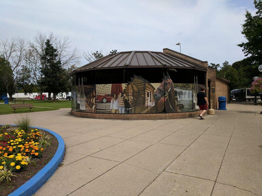 I-75 Tourist Center: I 75 N, Williamsburg, KY
