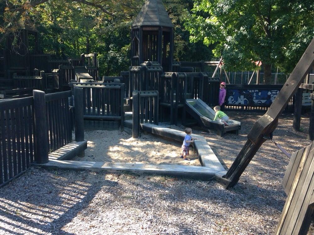 Lewis park: 156 Pinetree Ln, Lawton, MI