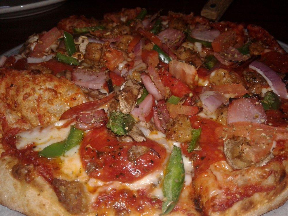 Fox's Pizza Den: 500 East Main St, Pomeroy, OH