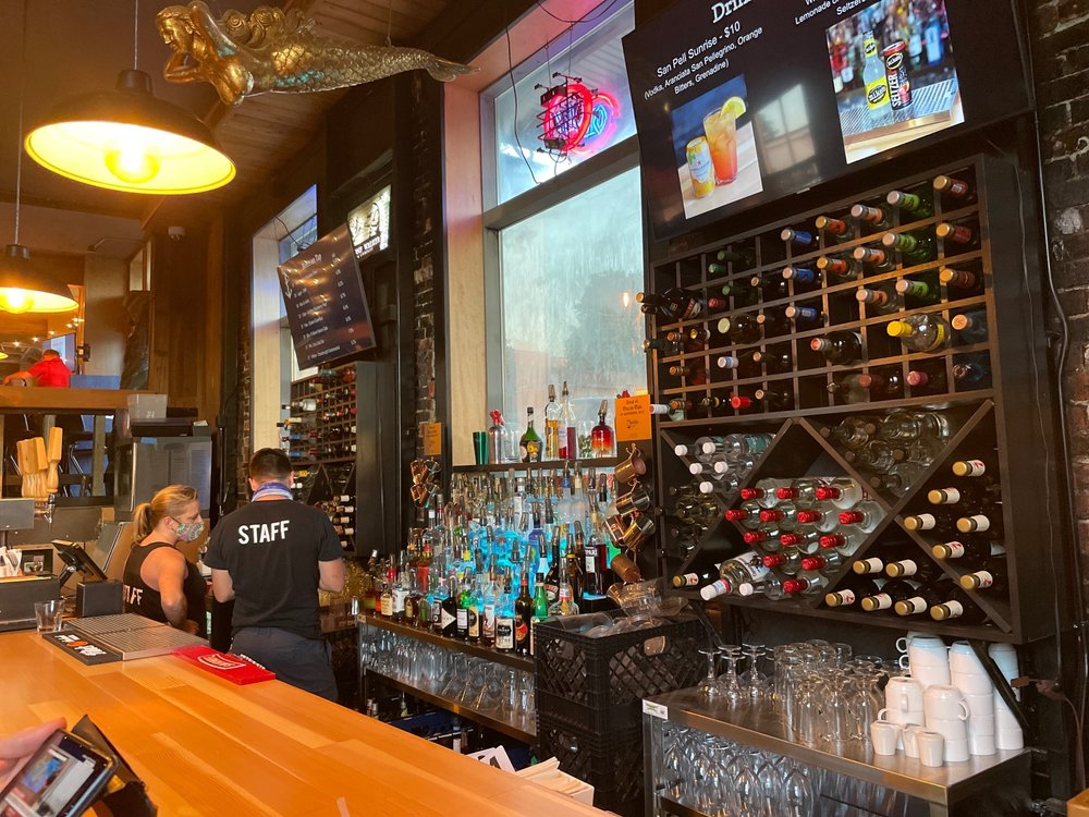 The Anchor Pub: 1001 Hewitt Ave, Everett, WA