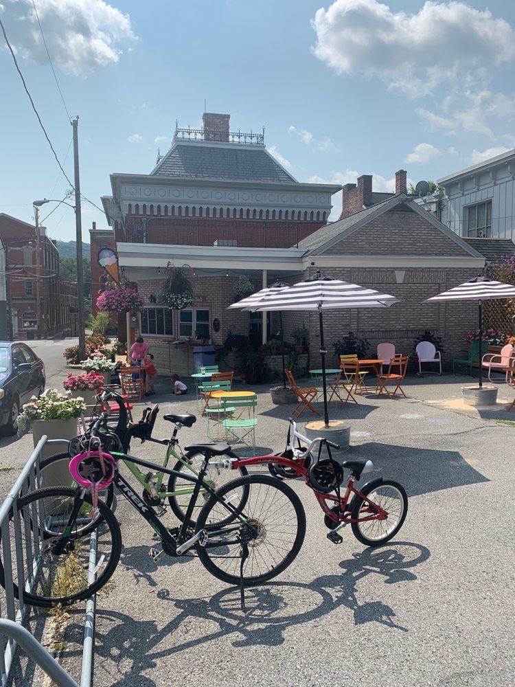 Mulberry Thrill: 100 W Market St, Marietta, PA