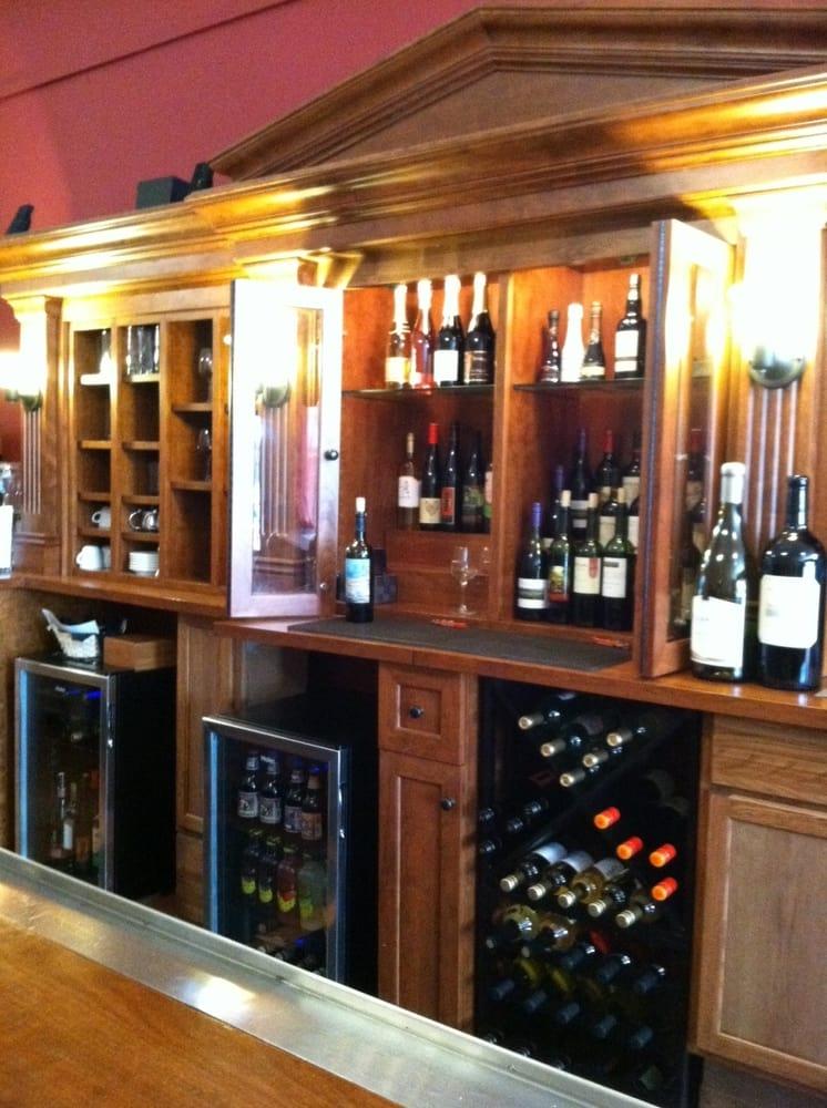 Tangled Hickory Wine Bar & Bistro: 120 S Main St, Viroqua, WI