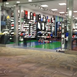 new arrival 285ed b8cf9 Photo of Foot Locker - Westminster, CA, United States. This poor store.