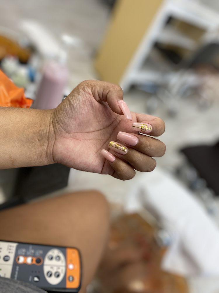 Amazi Nails & Spa: 2500 SW 336th St, Federal Way, WA