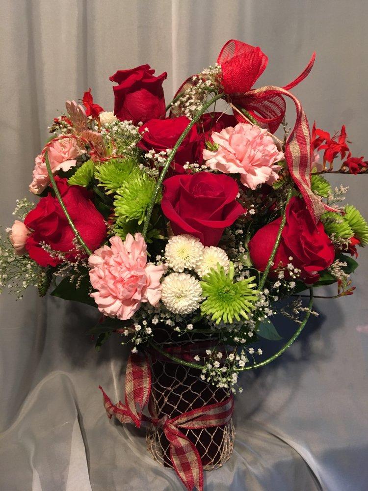 Artistic Floral Designs by Brenda: 280 Point Brown NE, Ocean Shores, WA