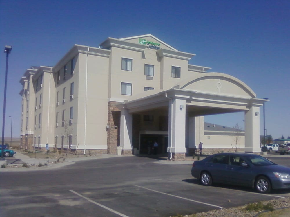 Holiday Inn Express & Suites Sidney: 251 W Holly St, Sidney, MT