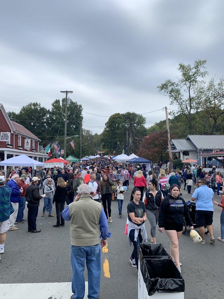 Clifton Day Festival: 12644 Chapel Rd, Clifton, VA