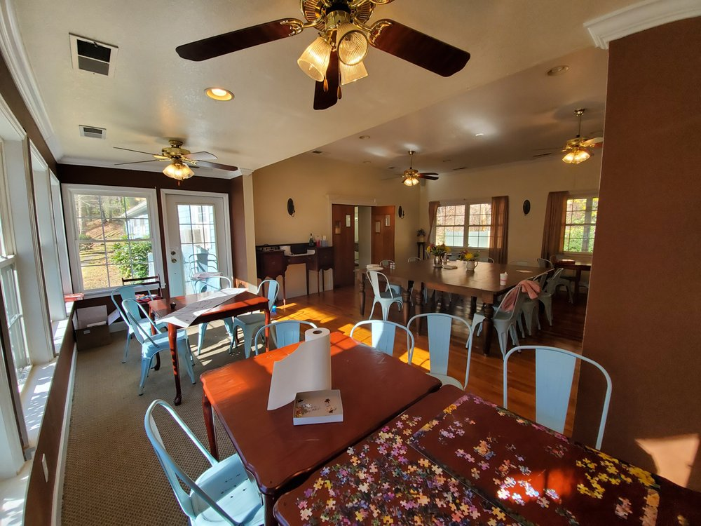 Blue Boar Inn: 1283 Blue Boar Rd, Robbinsville, NC