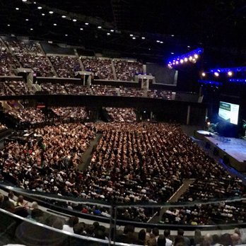 how many people does the secc's hall 4 hold? | Yahoo Answers