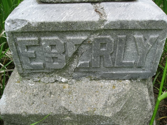 Eberly Cemetery: Lawton, IA