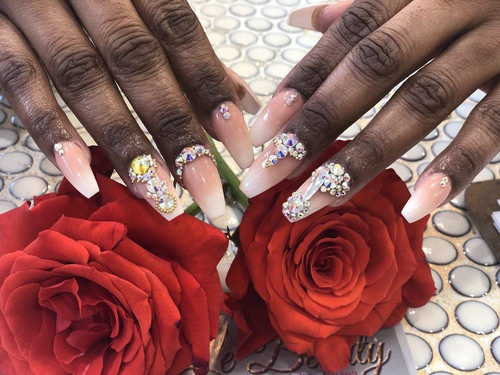 Le Beauty Nails & Spa: 1012 Southern Blvd, Bronx, NY