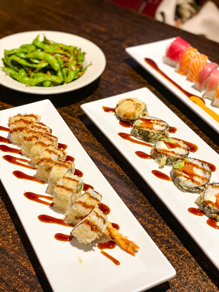 Food from Tokyo Town Sushi