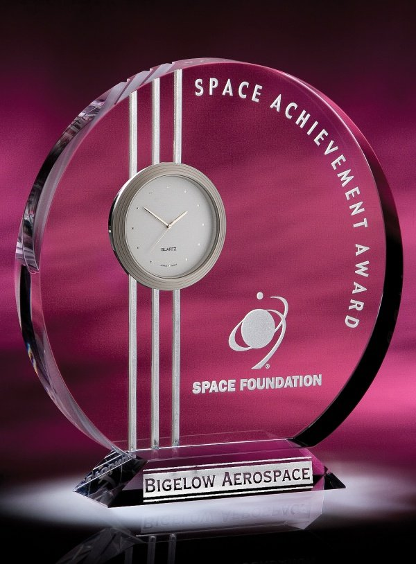 Arista Trophies & Awards: 25 Portland Ave, Bergenfield, NJ
